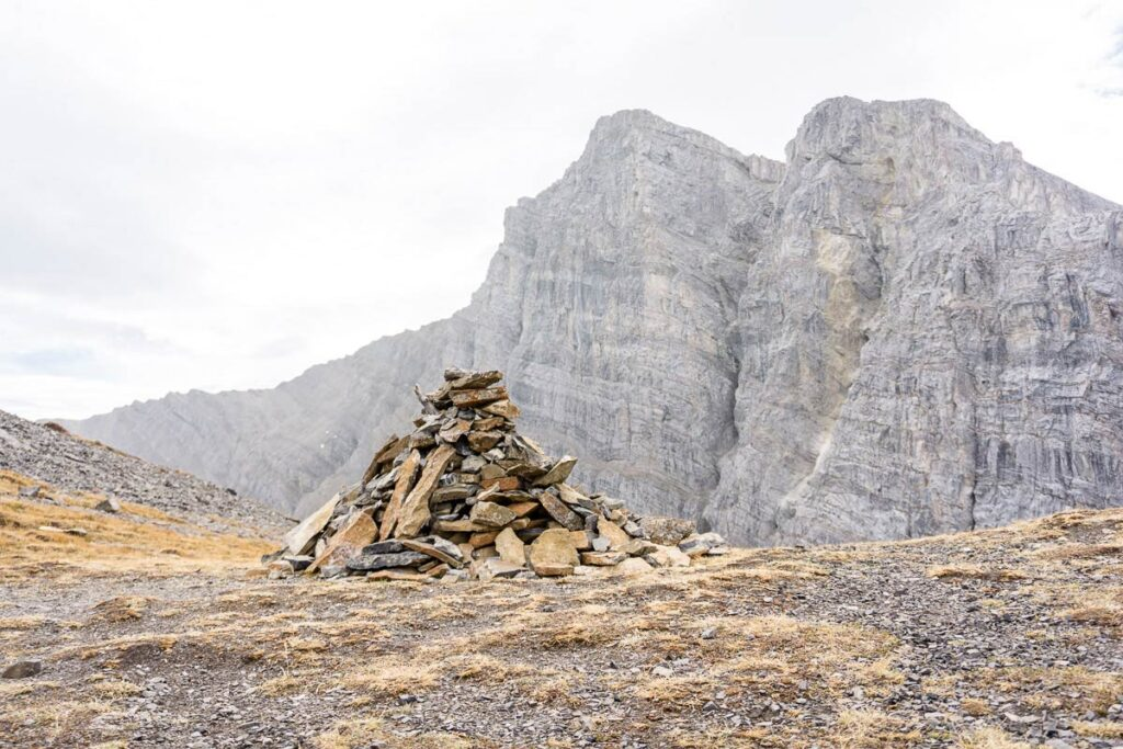 A large cairn is found near the Miners Peak summit