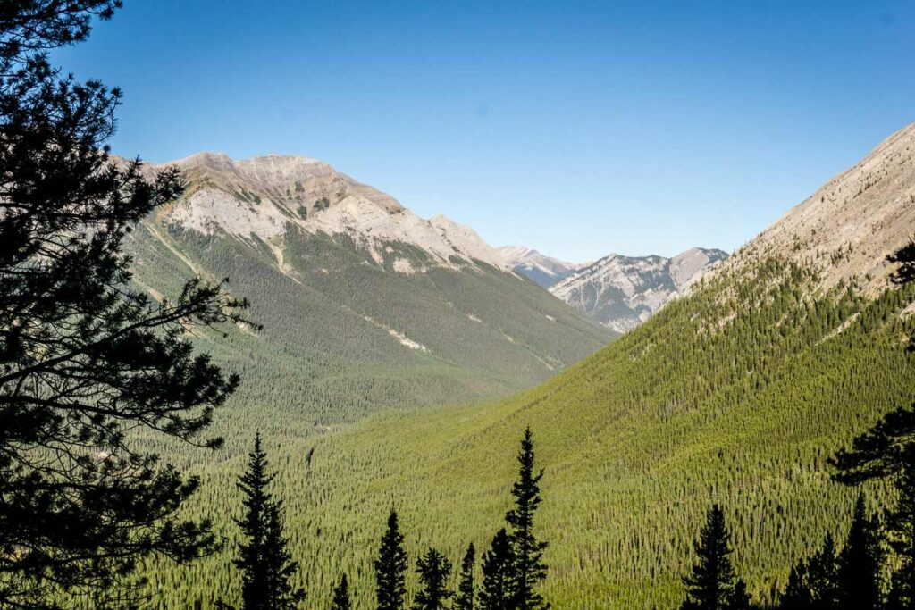 beautiful Kananaskis Country mountain scenery