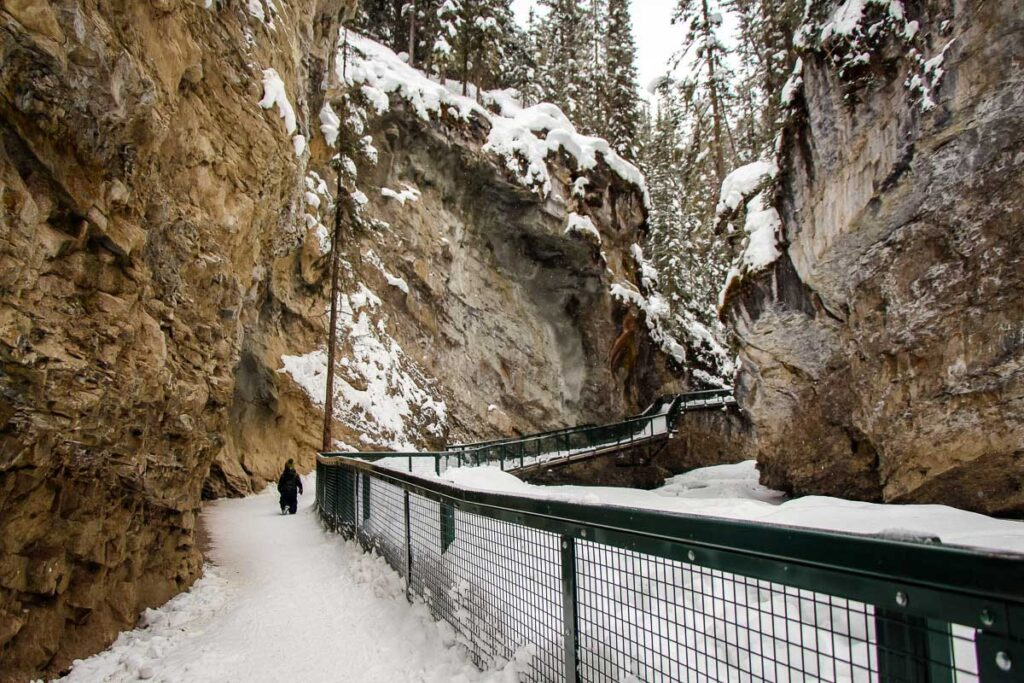 Hiking Johnston Canyon - visiting banff in winter