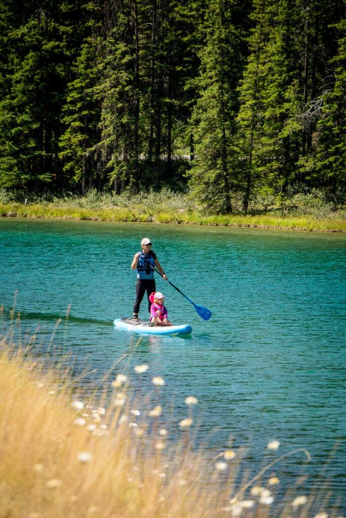 Two Jack Lake paddle boarding in Banff