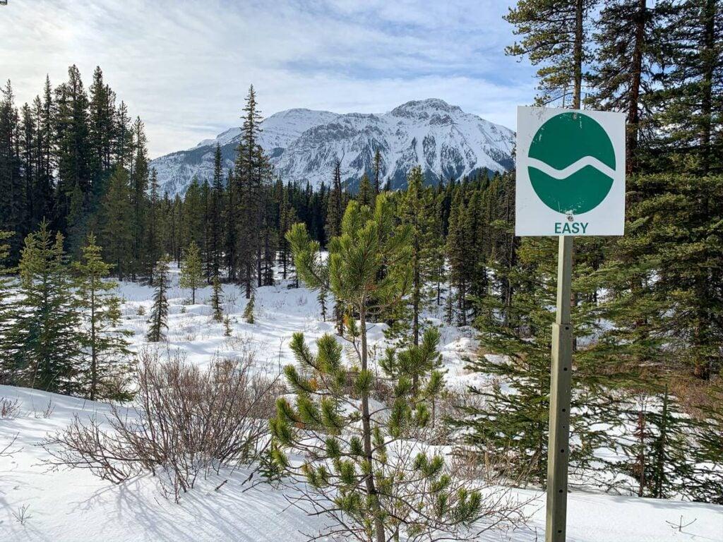easy trail sign on Braille - cross country skiing Kananaskis