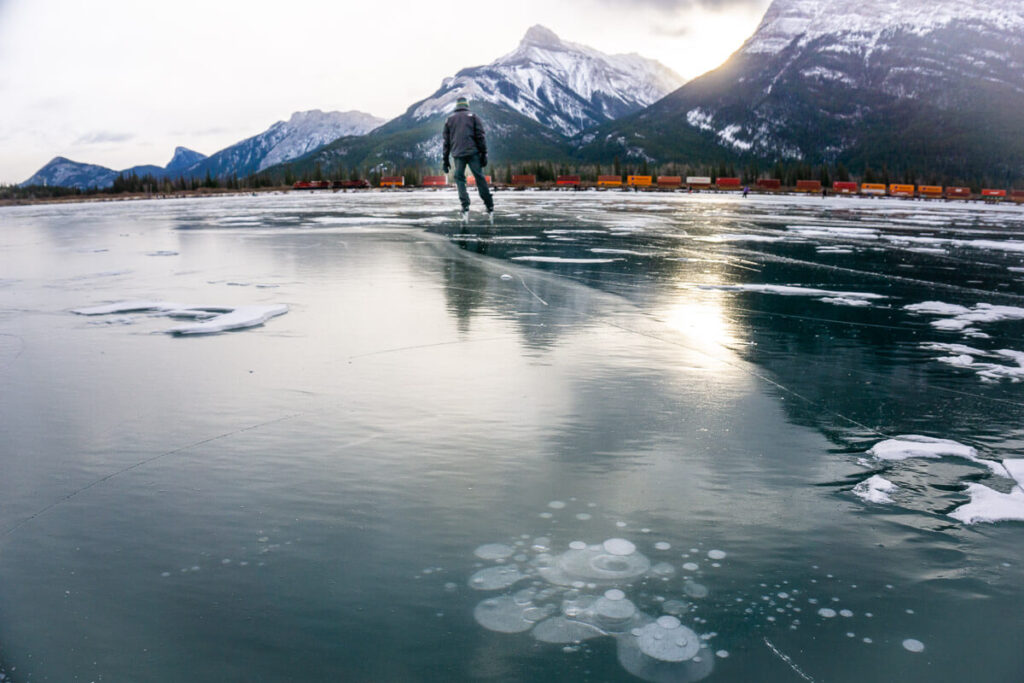 outdoor ice skating gap lake near canmore