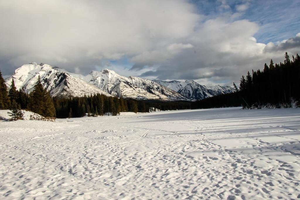 Johnson Lake - snowshoeing banff trails