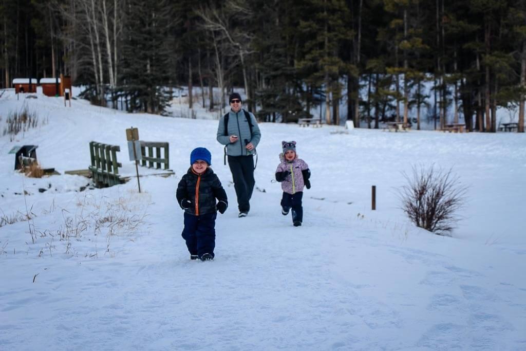 banff snowshoeing with kids at Johnson Lake