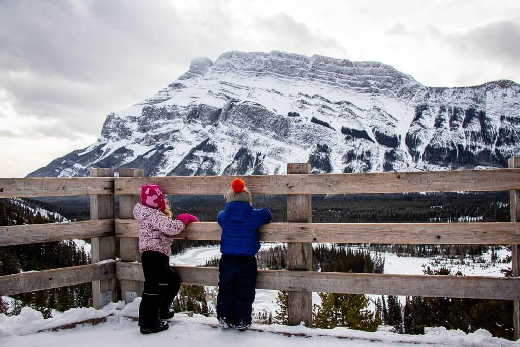 Hoodoos Viewpoint - Banff snowshoe trails