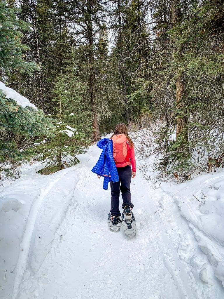 What to wear on Banff snowshoe trails - dress in layers