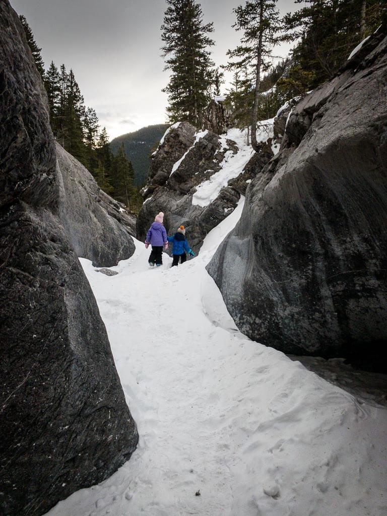 Fun winter hikes for kids near Calgary, Alberta