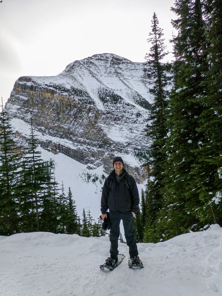 The Mirror Lake snowshoe trail at Lake Louise in January