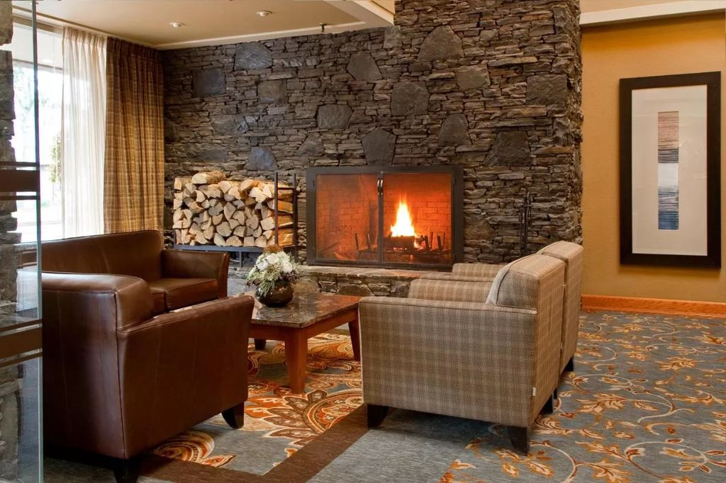 inexpensive hotels in banff ca - Banff Park Lodge