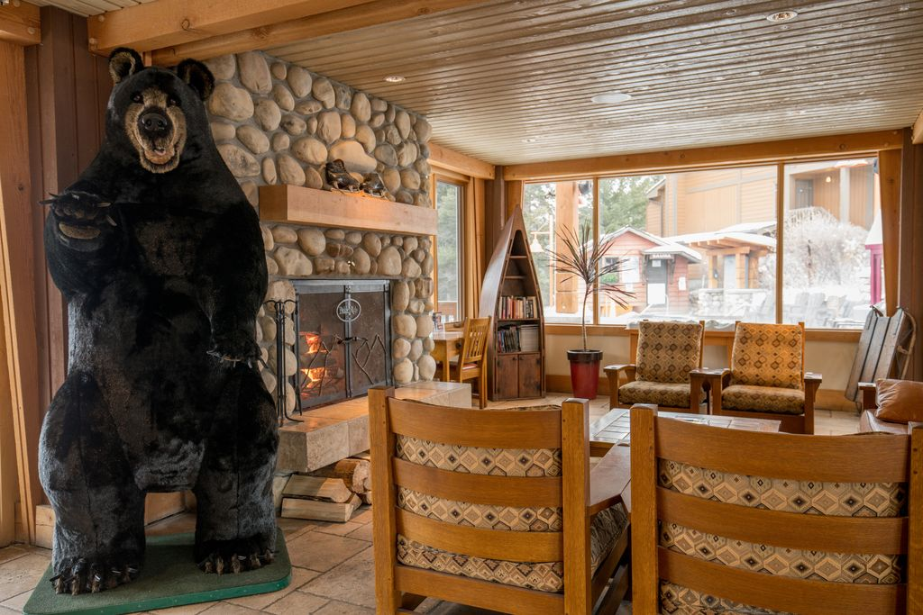 The Hidden Ridge Resort is one of the best family friendly hotels in Banff