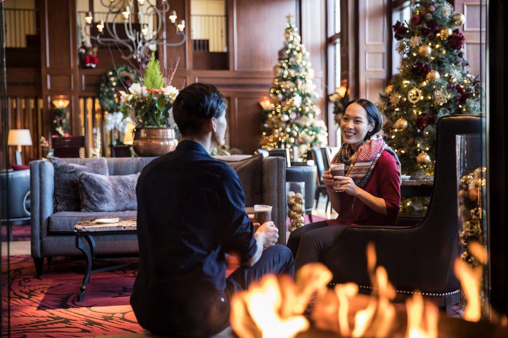 5 star Banff hotels - Rimrock Hotel at Christmas