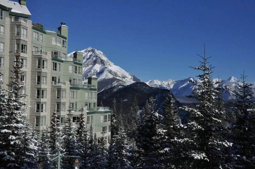 best luxury Banff hotels - Rimrock Resort Hotel