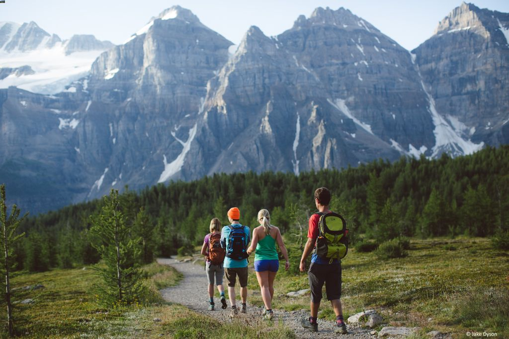 Want to visit Banff on a budget? Try joining a group tour to Banff