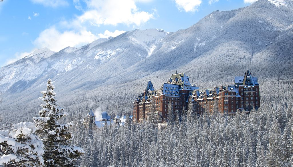 The famous Banff castle hotel - the 5 star Fairmont Banff Springs Hotel