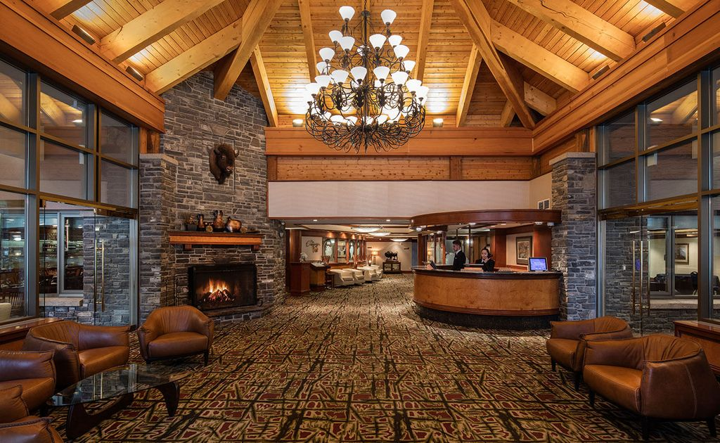 4-star boutique hotels in Banff - Royal Canadian Lodge