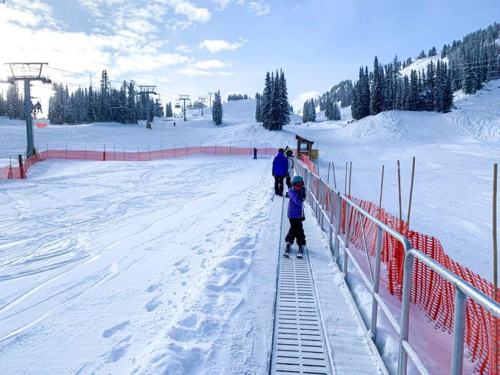 Banff sunshine village magic carpet for learning to ski