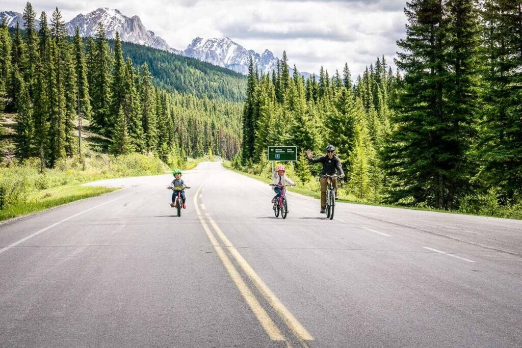 Cycling Bow Valley Parkway in Banff to Johnston Canyon with kids