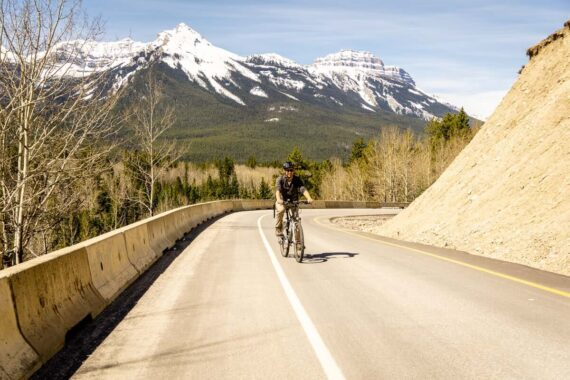 Cycling the Bow Valley Parkway in Banff National Park