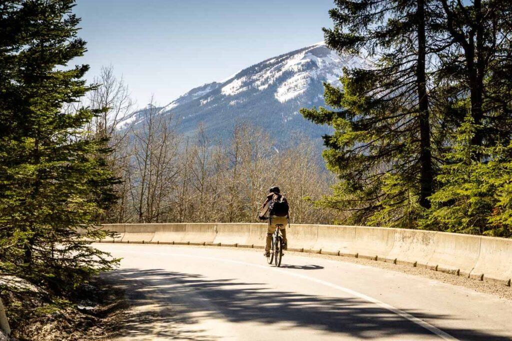 Cycling Bow Valley Parkway in Banff