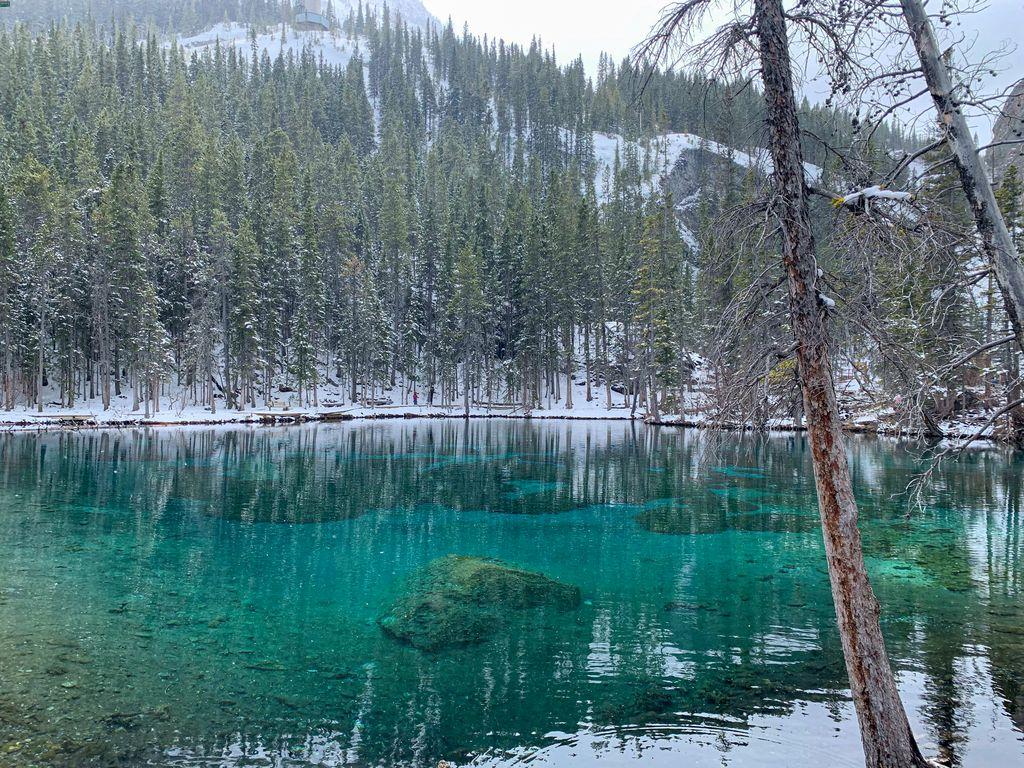 Hiking Grassi Lakes in spring