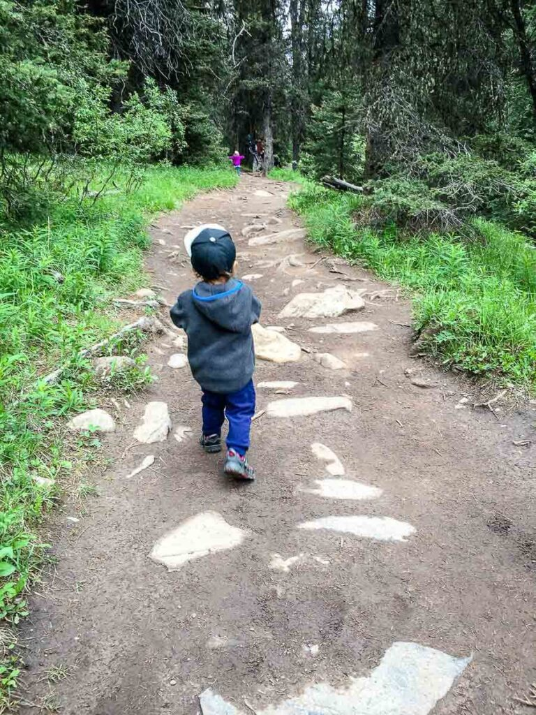 Hiking Ink Pots Trail with kids in Banff National Park
