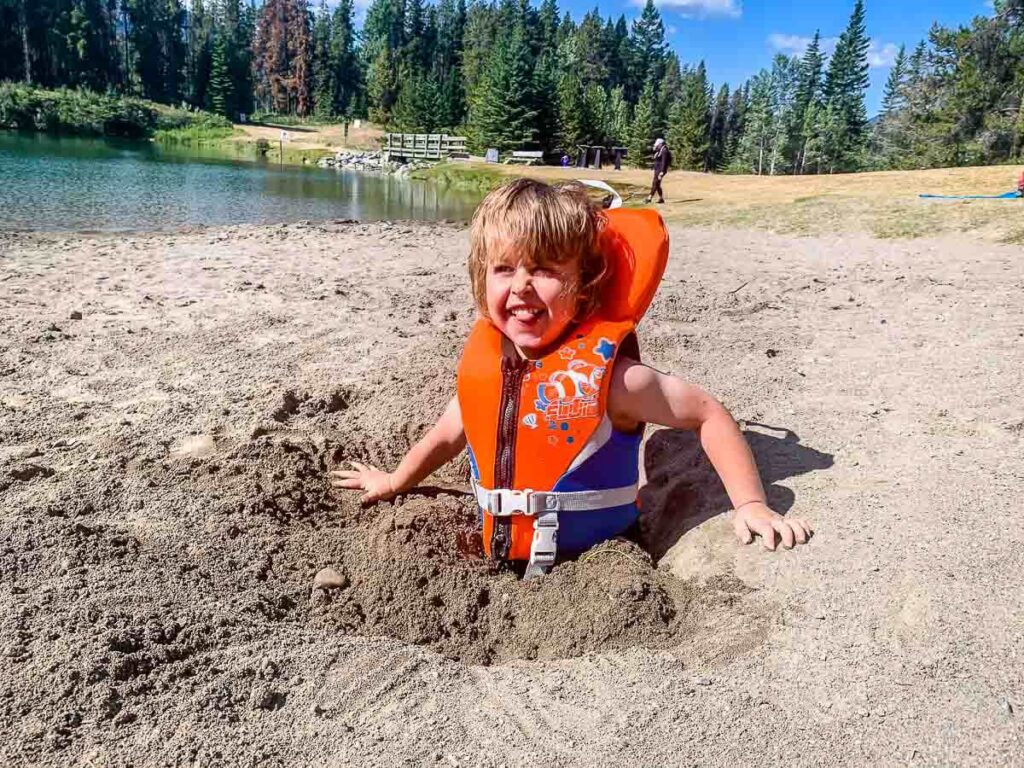 beaches in Banff National Park - Johnson Lake with kids