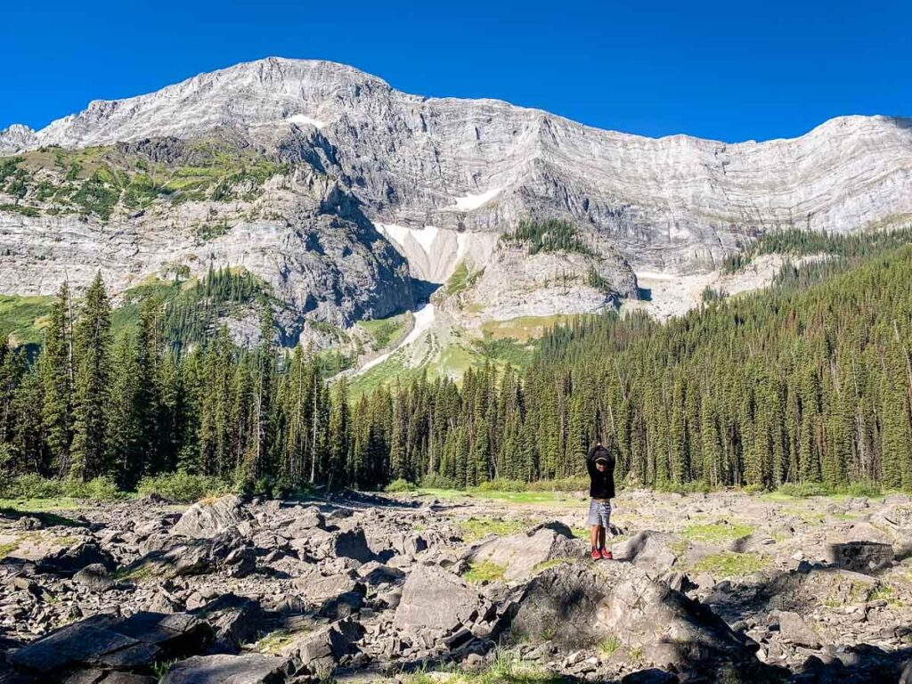 easy hikes Kananaskis to Warspite Lake