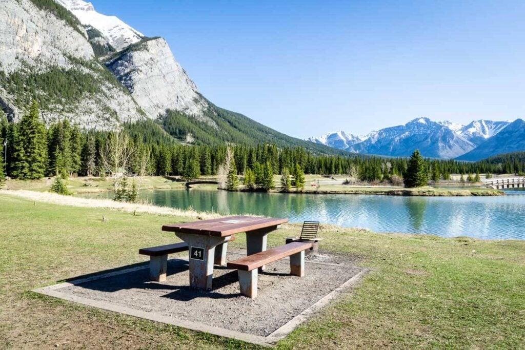 Banff picnic area - Cascade Ponds