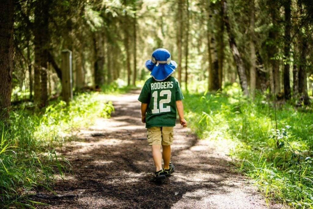 Fenland Loop - easy kid friendly hike in Banff National Park