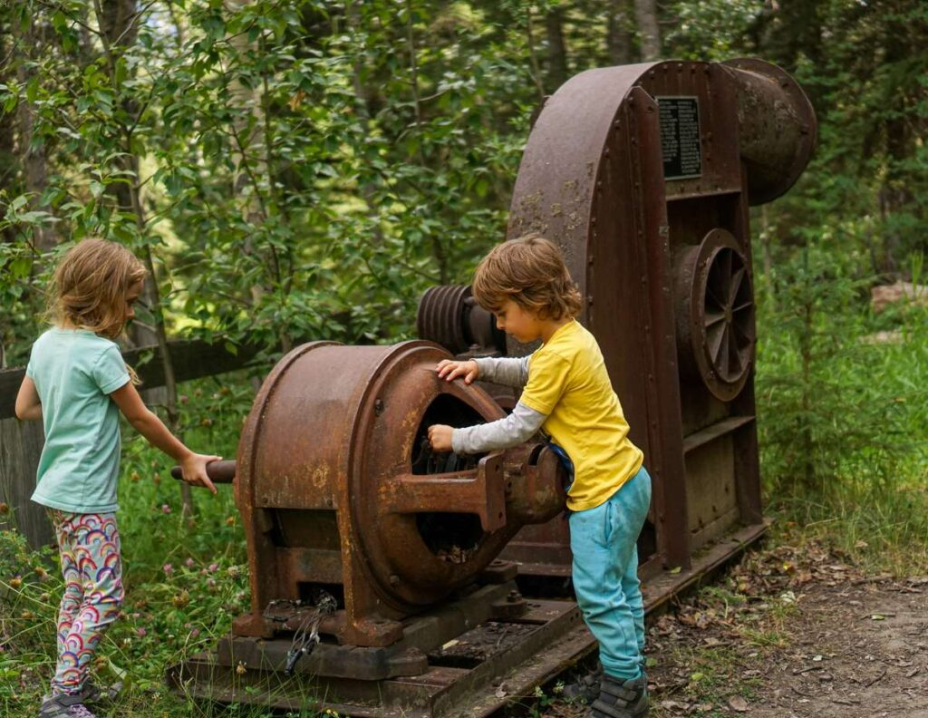The Bankhead hike in Banff is an easy, kid-friendly hike through an Alberta ghost town