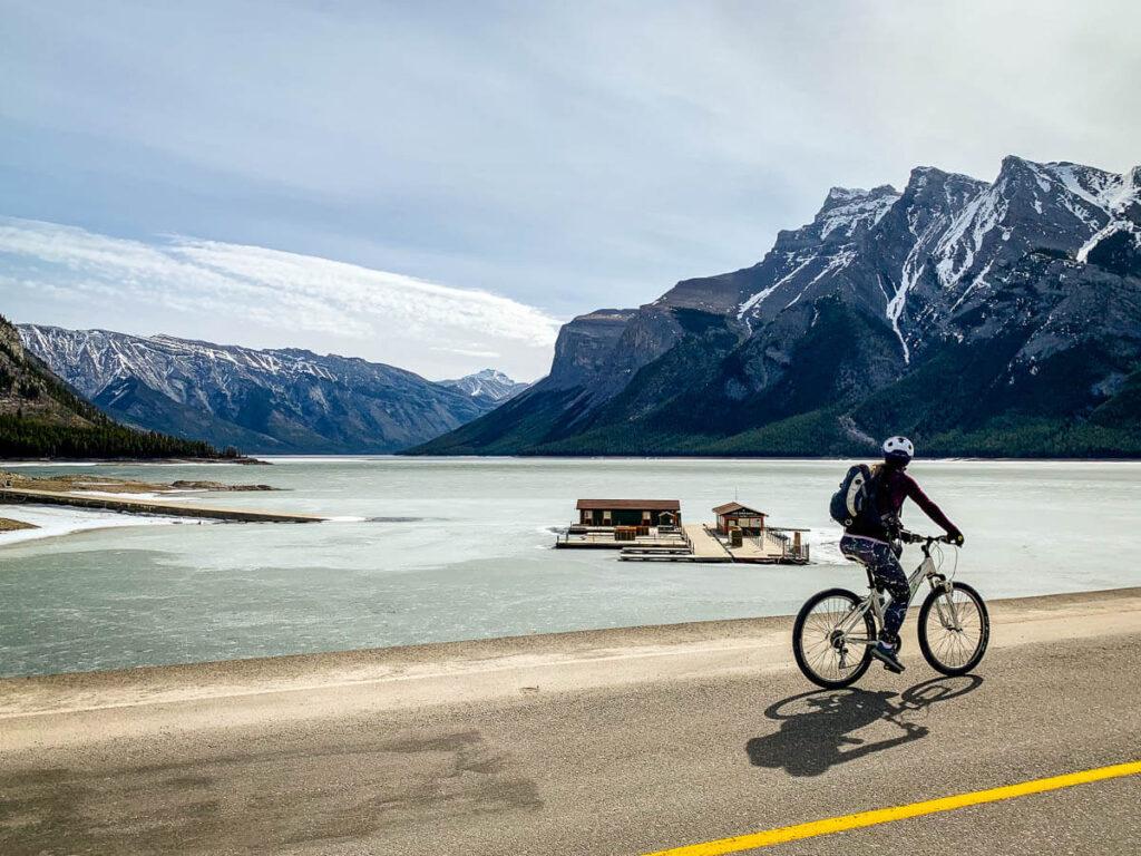 Banff Road Cycling - Lake Minnewanka