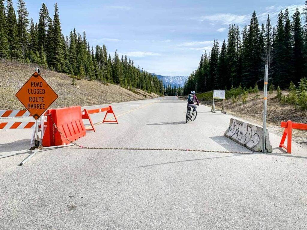 Lake Minnewanka Loop Road Closure in May 2021