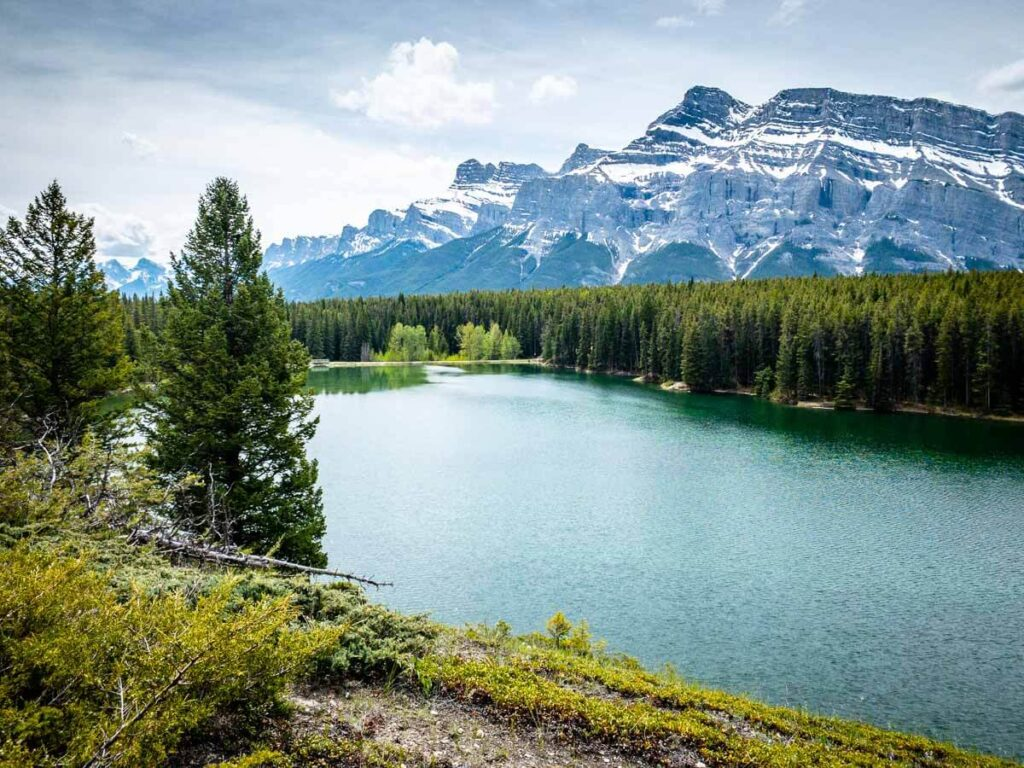 banff scenic spot along Johnson Lake