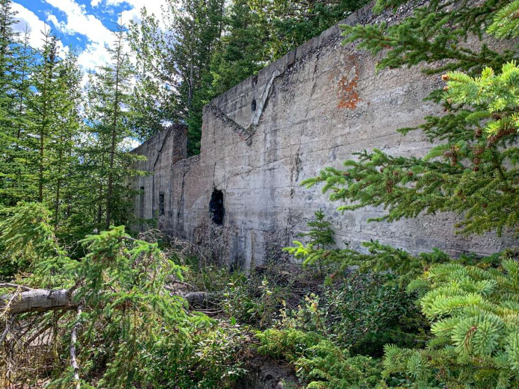 The power house building in the Bankhead Banff ghost toen