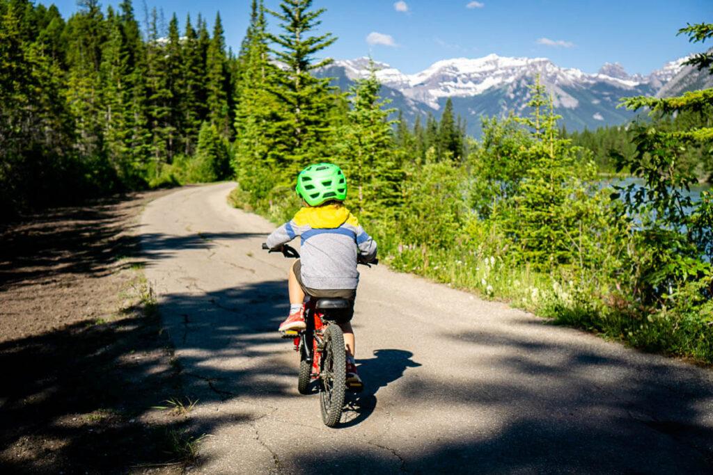 Sundance Canyon Trail - Easy bike trails in Banff