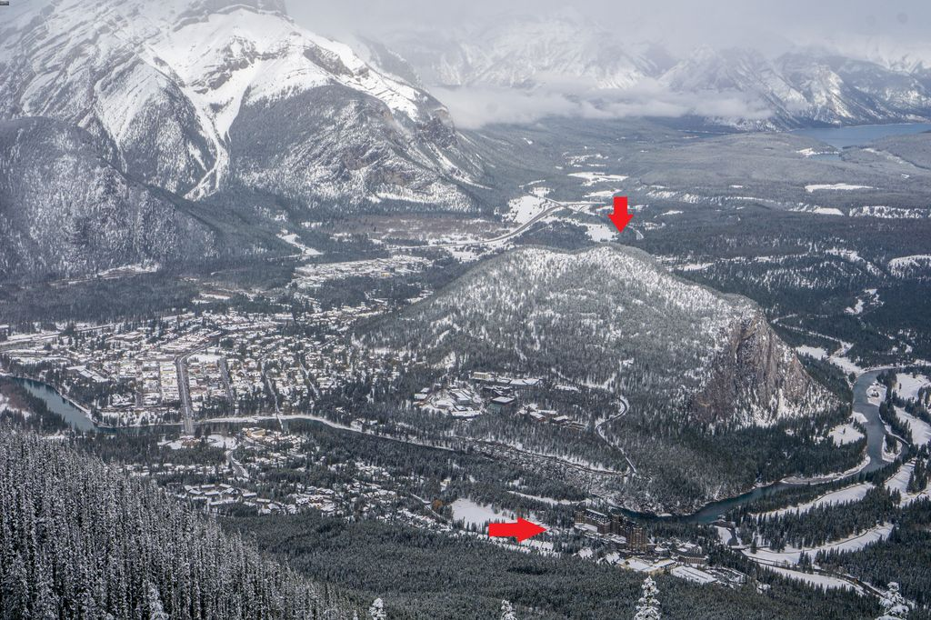 Tunnel Mountain is a popular, easy hike near the Banff Springs Hotel