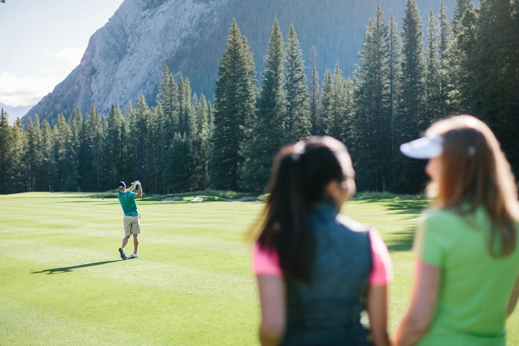 Get Banff Springs golf club deals with a Banff Springs package deal