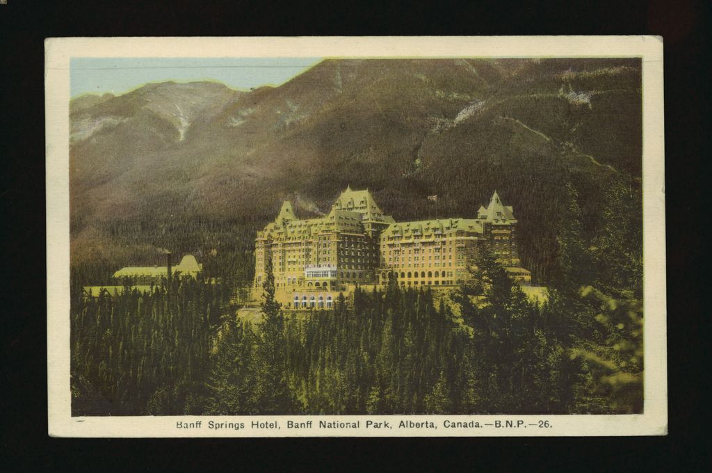 History of Banff Springs Hotel - image from August 1941 postcard