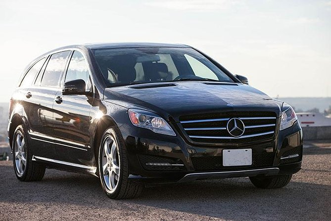 Travel from Calgary to the Banff Springs Hotel in style with a private transfer