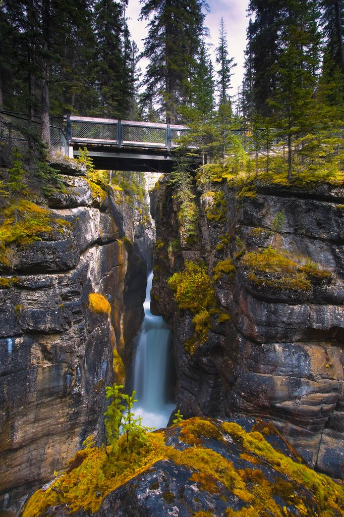 Many luxury tours to Banff and Jasper will stop for a walk around Maligne Canyon in Jasper, Canada