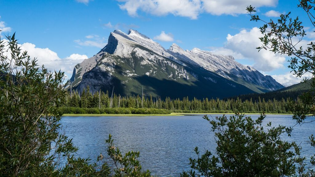 The view of Mount Rundle from the Vermillion Lakes is a popular stop on luxury Banff tours