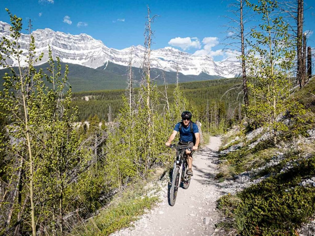 Lake Minnewanka Trail - Hiking or Biking in Banff National Park