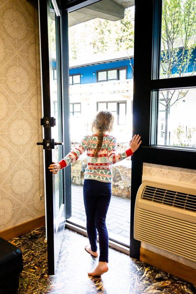 Kid friendly hotels - banff cheap accommodation