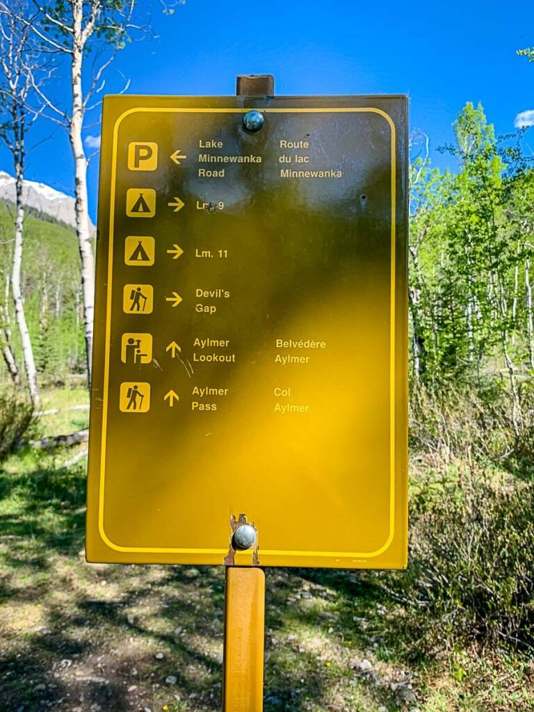 trailhead sign for Aylmer Lookout hike