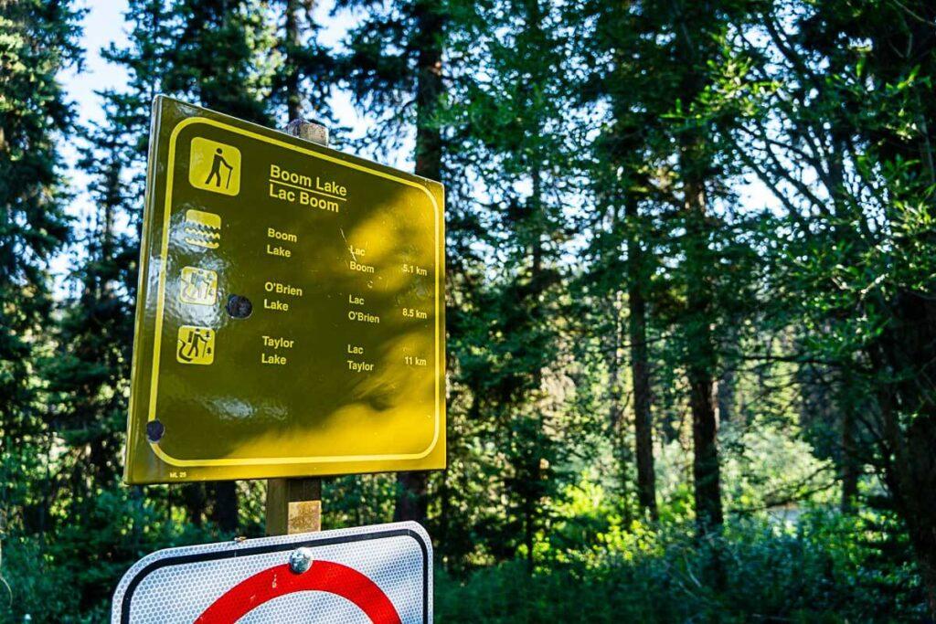 Boom Lake Trailhead sign