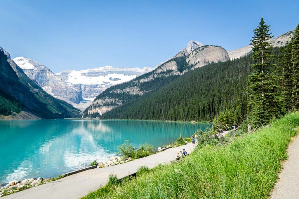 Lake Louise shoreline trail and Lake Anges trail on right