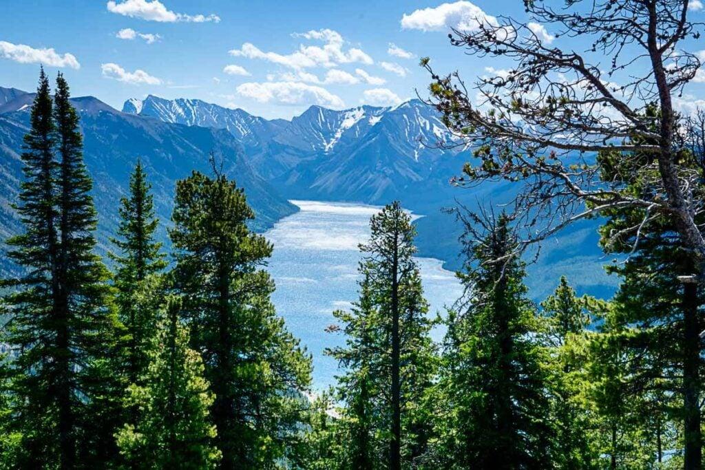Lake Minnewanka from Aylmer Lookout trail in Banff