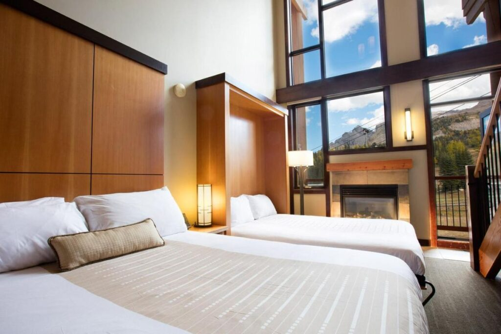best jacuzzi suites banff - Sunshine Mountain Lodge loft suites come with a jetted tub