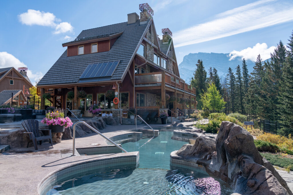 hotels in banff with jacuzzi suites and outdoor hot tubs - Hidden Ridge Resort - Tunnel Mountain