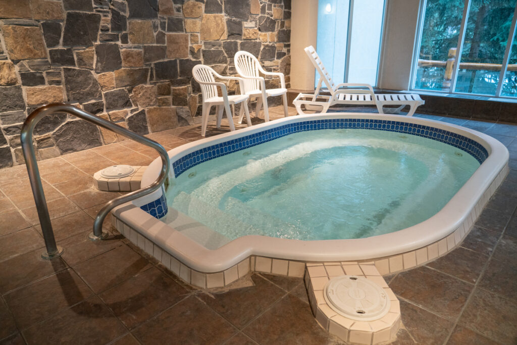 Best hotels in Banff with hot tubs and private jacuzzi suites